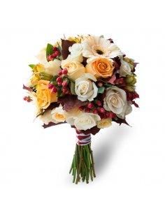 Buchet mireasa cu trandafiri si flori de toamna